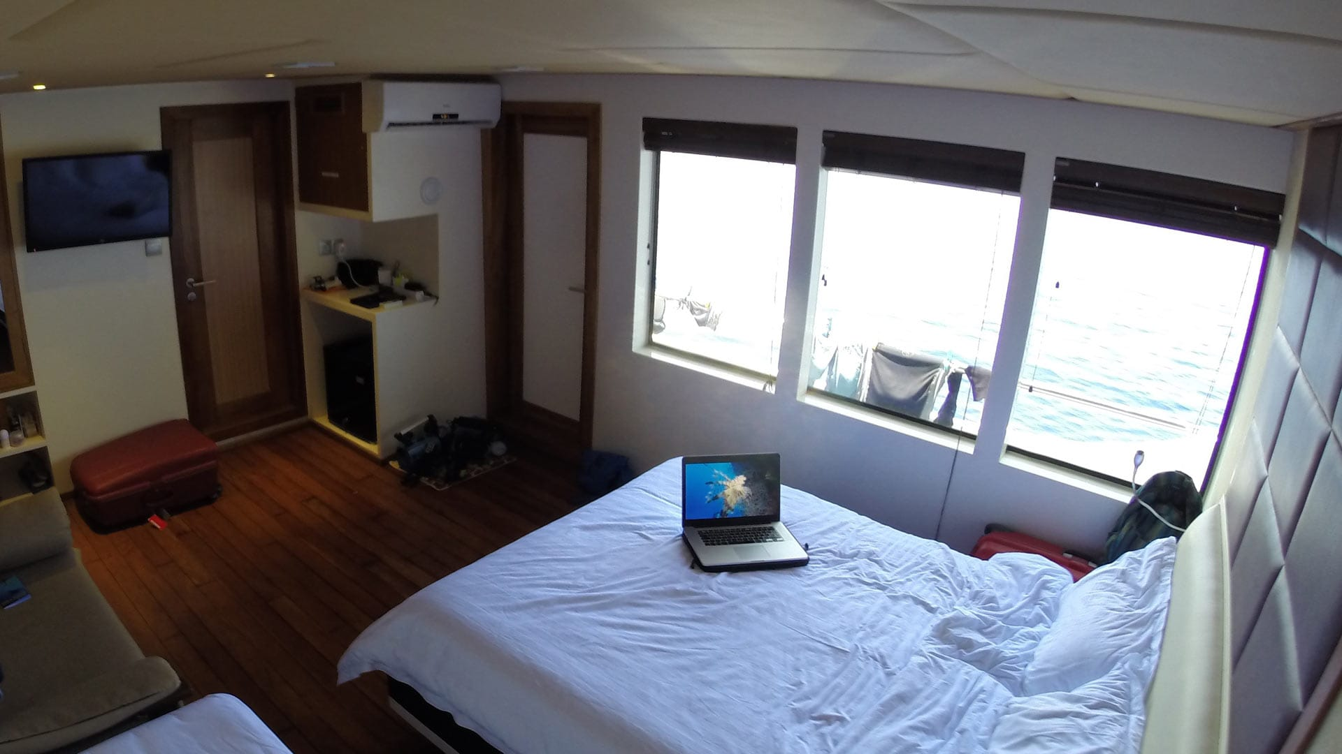 adora dive liveaboard maldives ocean view suite