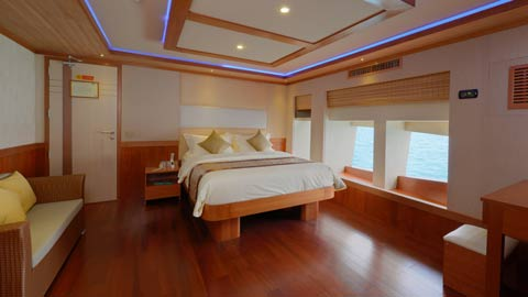 blue force one dive liveaboard maldives mastersuite